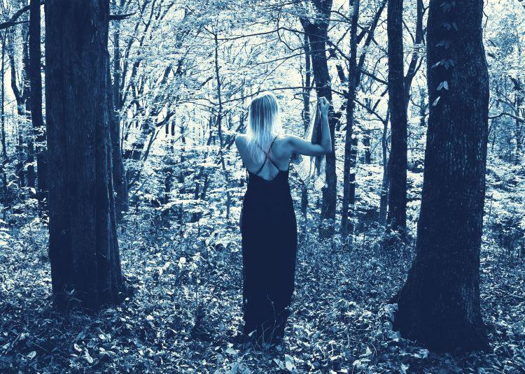 img_6085-tommie-and-ellens-silk-scarf-cyan