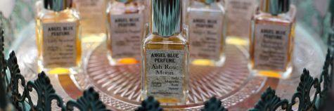 cropped-img_1566-lovely-perfumes.jpg