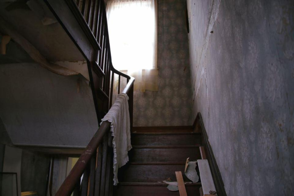 IMG_6346 Stairwell of the Old Potts Ebersole House 2.jpg