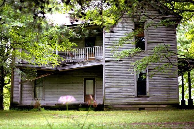 IMG_1393 abandoned Scottsville KY  home 2.jpg