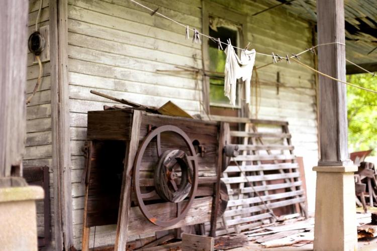 IMG_1404 Old porch things 2.jpg